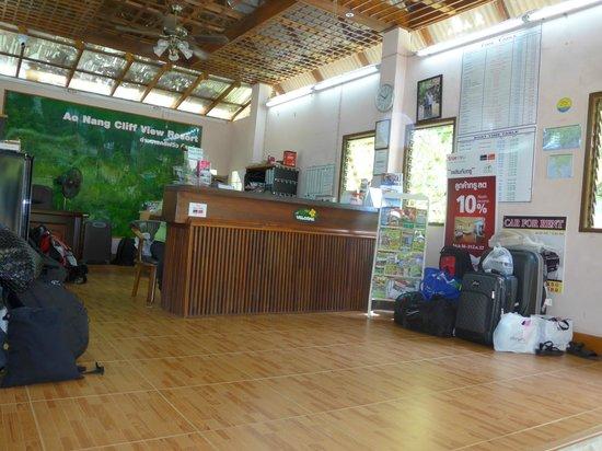 Aonang Cliff View Resort : Reception
