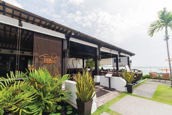 Chef's Table: Beachfront location