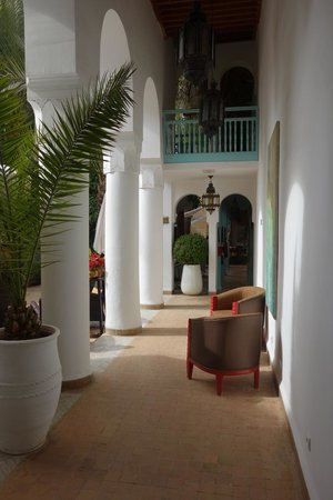 Les Jardins de la Medina : View from reception to courtyard