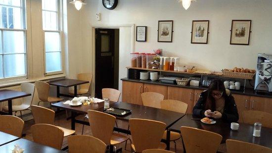 Airways Hotel Victoria London: Salle du petit déjeuner