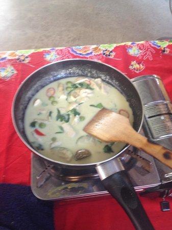 The Kitchen Restaurant Kata Beach & Thai Cooking Class : Cooking green curry chicken
