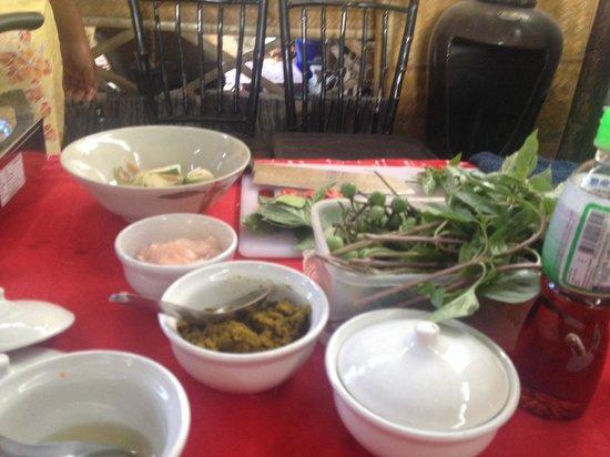 The Kitchen Restaurant Kata Beach & Thai Cooking Class : Ingredients for green chicken curry