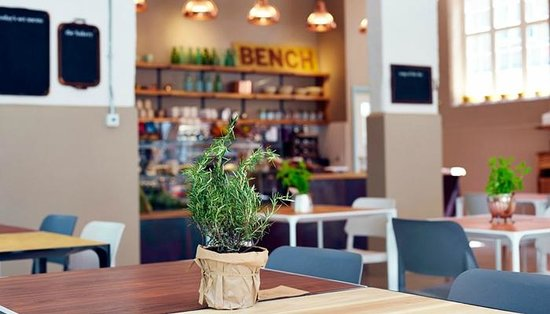 The Bench Cafe: The Bench Cafè