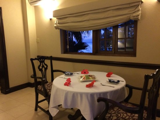 Sandals Royal Plantation : beautifully set table upon arrival to SRP