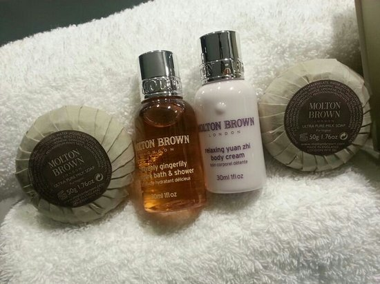 The Henry Jones Art Hotel: Molton bath products in the washroom