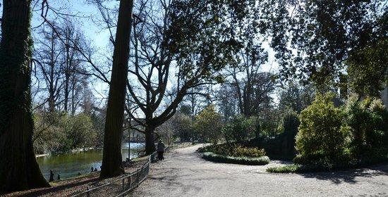 Jardin Public : bei viali alberati