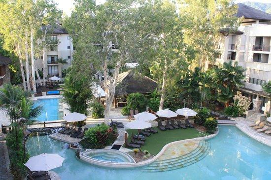Pullman Palm Cove Sea Temple Resort & Spa : Beautiful landscaping