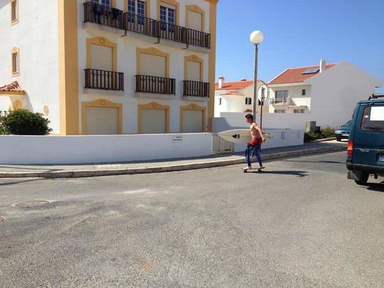 H2O Surfguide Hostel: Baleal