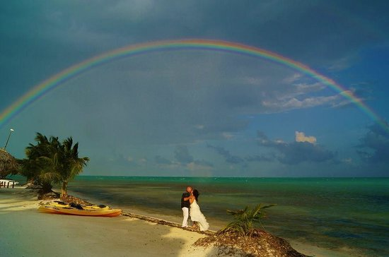 St. George's Caye, Belize: Seriously not photo shopped the real deal Amazing! This Arkansas couple got married during our s