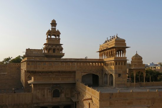 WelcomHeritage Mandir Palace : Staying in a palace!