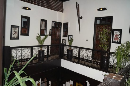 Riad Dar Najat: balcony to bedrooms