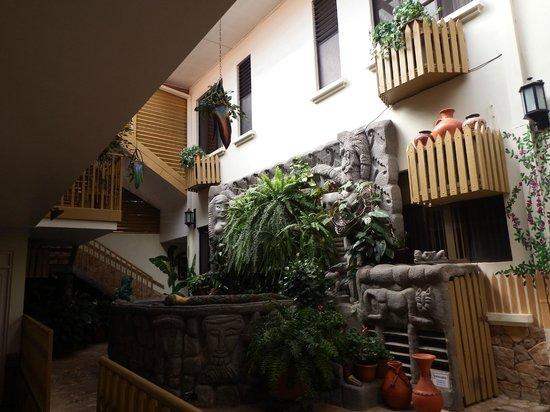 Adventure Inn : centre of hotel