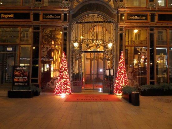 Buddha-Bar Hotel Budapest Klotild Palace: Ingresso
