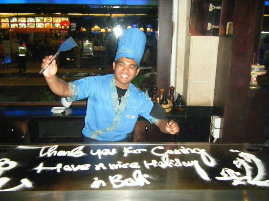 Bluefin Japanese Fusion and Lounge: Our chef Ary - a delight and a born entertainer.
