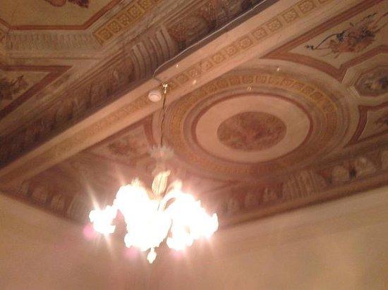 Hotel Europa: soffitto camera