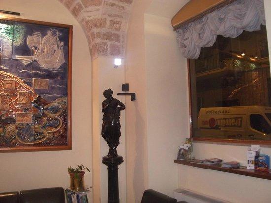 Adria Hotel Bari: Recepcion