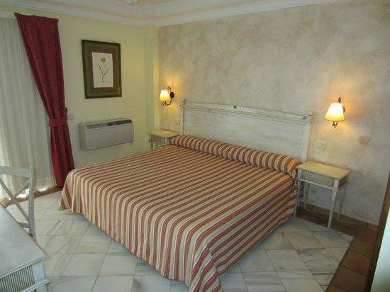Hotel Las Aguilas: Schlafzimmer der Suite