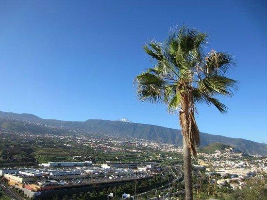 Hotel Las Aguilas : Aussicht von der Rückseite auf El Teide
