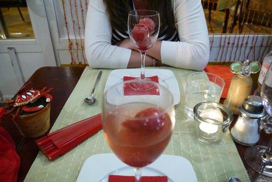 Bodeguita El Andaluz: raspberry sorbet with cava