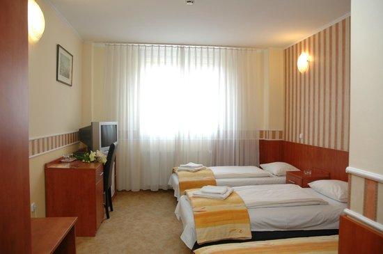 Atlantic Hotel: Room
