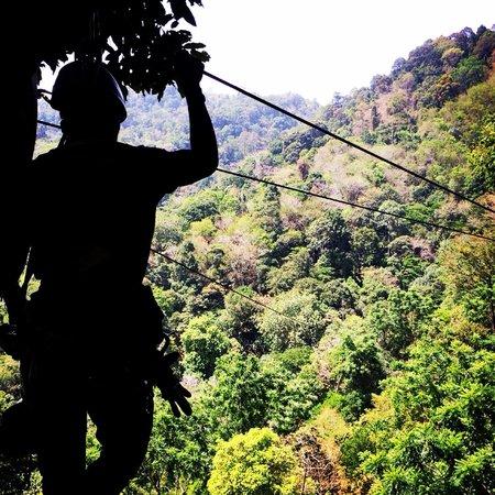 Flying Hanuman: Vilken utsikt, fantastika ledare