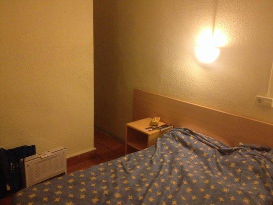 Hostal Abrevadero: Bedroom 203