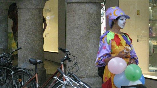 Sporgasse: И клоуны грустят