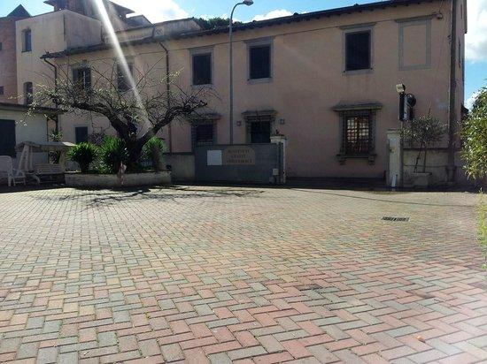 Affittacamere Locanda San Biagio : Parcheggio privato protetto