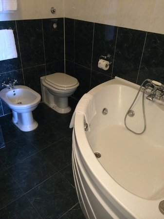 Hotel Bretagna : bagno