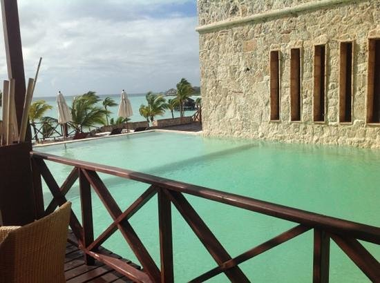 Sanctuary Cap Cana by AlSol: rooftop pool at the fortress