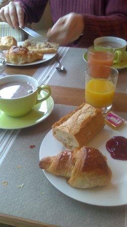 Hotel Les Ajoncs d'Or : Salle de petit déjeuner