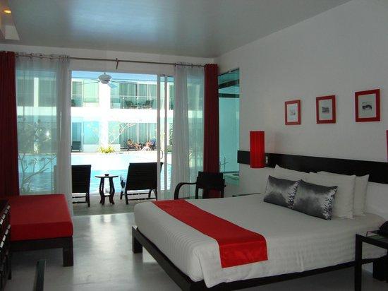 The Old Phuket: Swim up room