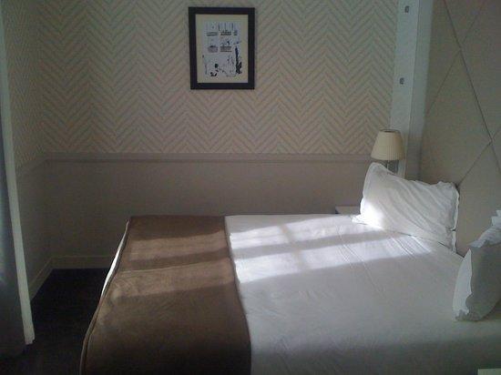 Hotel Longchamp Elysees: Chambre Quadruple