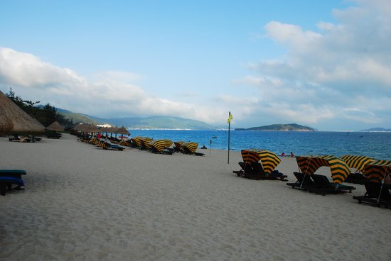 Sanya Marriott Yalong Bay Resort & Spa: beach