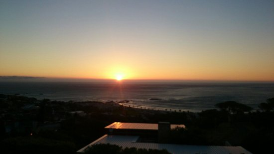 Atholl House: Sunset from the balcony