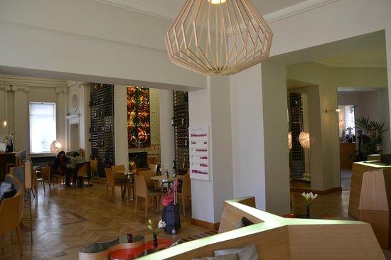 Bar a vins Ecole du vin a Bordeaux: sala laterale