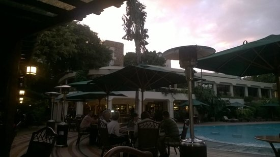 Nairobi Serena Hotel : Pool area