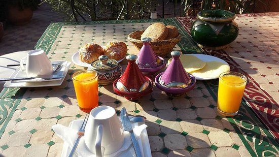 Riad Zayane Atlas: Breakfast on the terrace