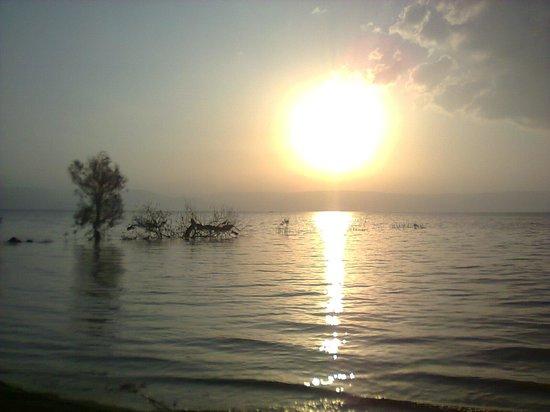 Karei Deshe: Sun rising over the lake of Tiberias, shot on the Hotel's beach