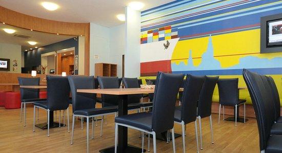b b hotel hamburg altona bewertungen fotos preisvergleich. Black Bedroom Furniture Sets. Home Design Ideas