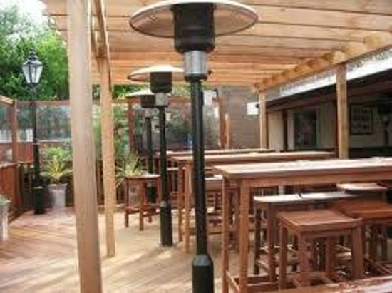 The Cuckoos Nest: large heated beer garden