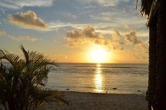 Manuia Beach Resort: sunset