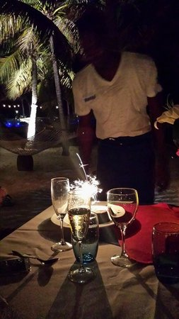 Blue Haven Resort : Surprise Private Beach Dinner