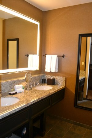 Hotel Talisa, Vail: extremely clean bathroom