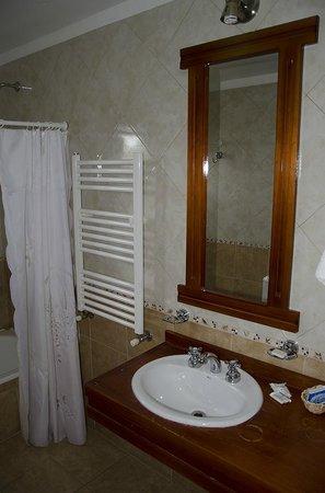 Hotel El Paraíso: Baño