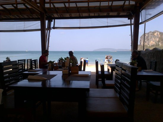 Railay Village Resort: Hermoso desayunar con esa vista