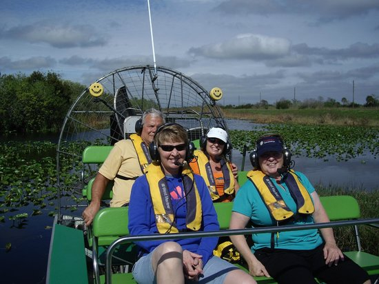 Florida Airboat Excursions: Captain John of Florida Airboat Tours and happy customers