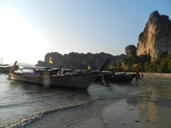 Railay Village Resort: Playa del hotel