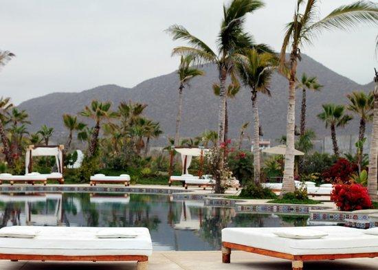 Cerritos Surf Town: Pool