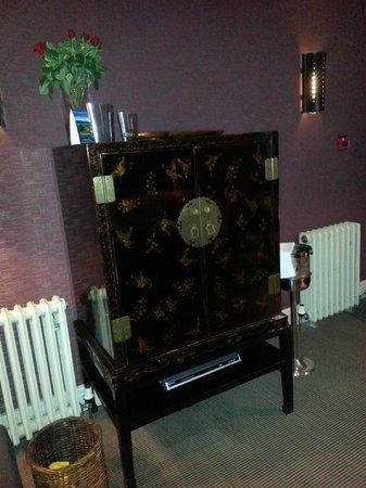 The Samling Hotel: Tv cabinet